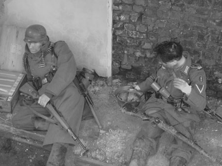 Grossdeutschland troops relaxing